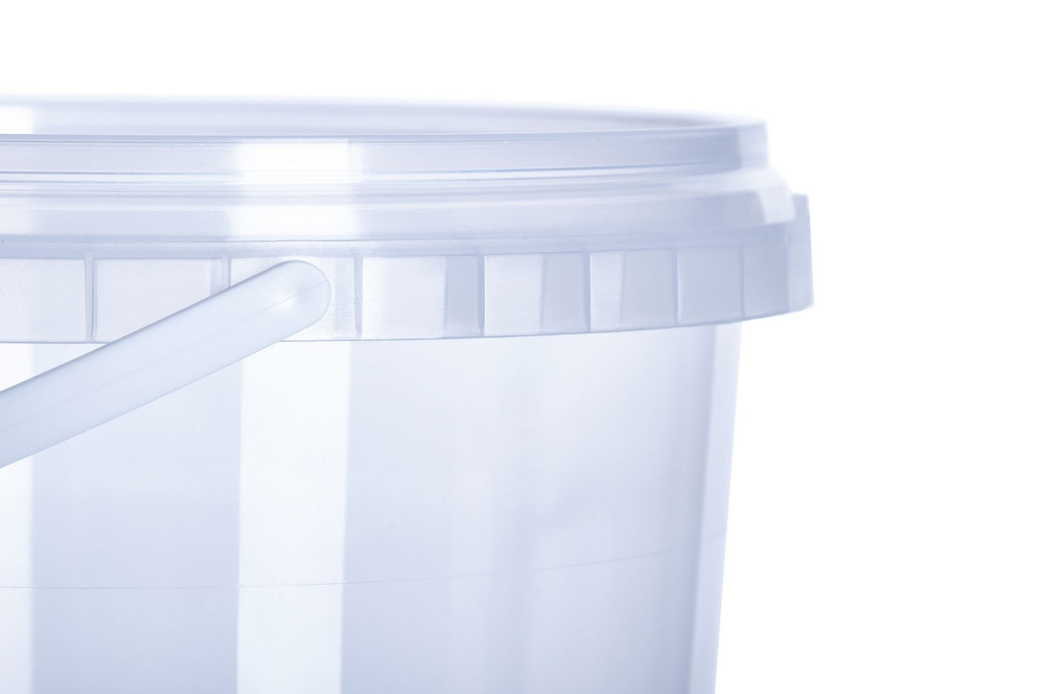 Round small plastic transparent coloured buckets with lids handles tamper evidence 600 мл